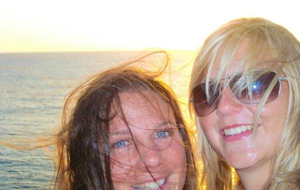 """""""No oa Welln und dann kemmts außa ausm Wossa!"""" – """"Noch eine Welle und dann kommt ihr bitte raus aus dem Wasser!"""" – Wellenreiten auf Fuerteventura im bayrischen Stil"""