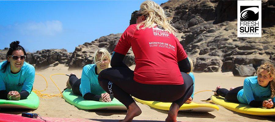 Surflehrerin-auf-Fuerteventura-in-Action