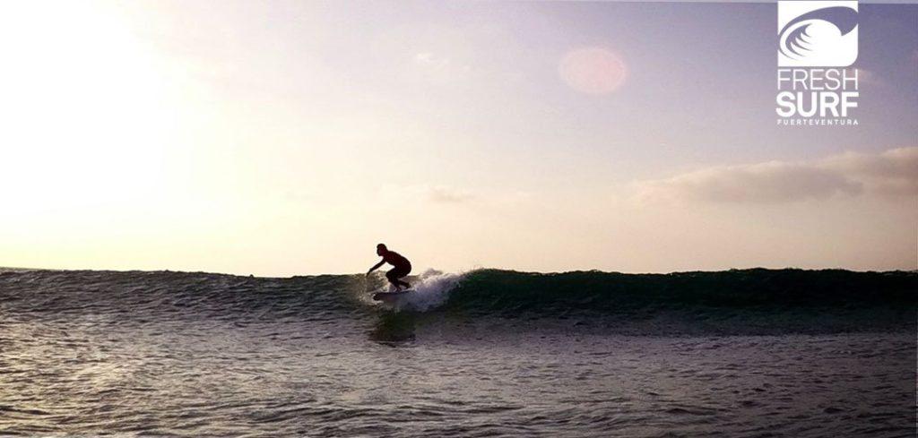 Maximized Barrel Time Today und Sunset Session am Beach Break in El Cotillo, Fuerteventura