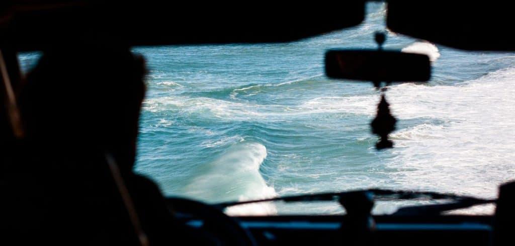 Wo kann man sich einen Bus für seinen nächsten Surftrip mieten?