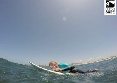 Surfer am Paddeln