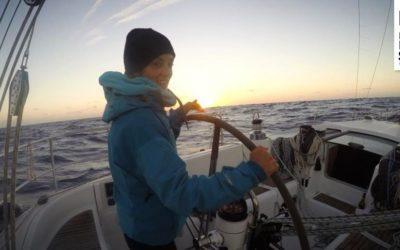 Von Delphinen, Seekrankheit und komplizierten Klogängen: Lindas erster Segeltrip