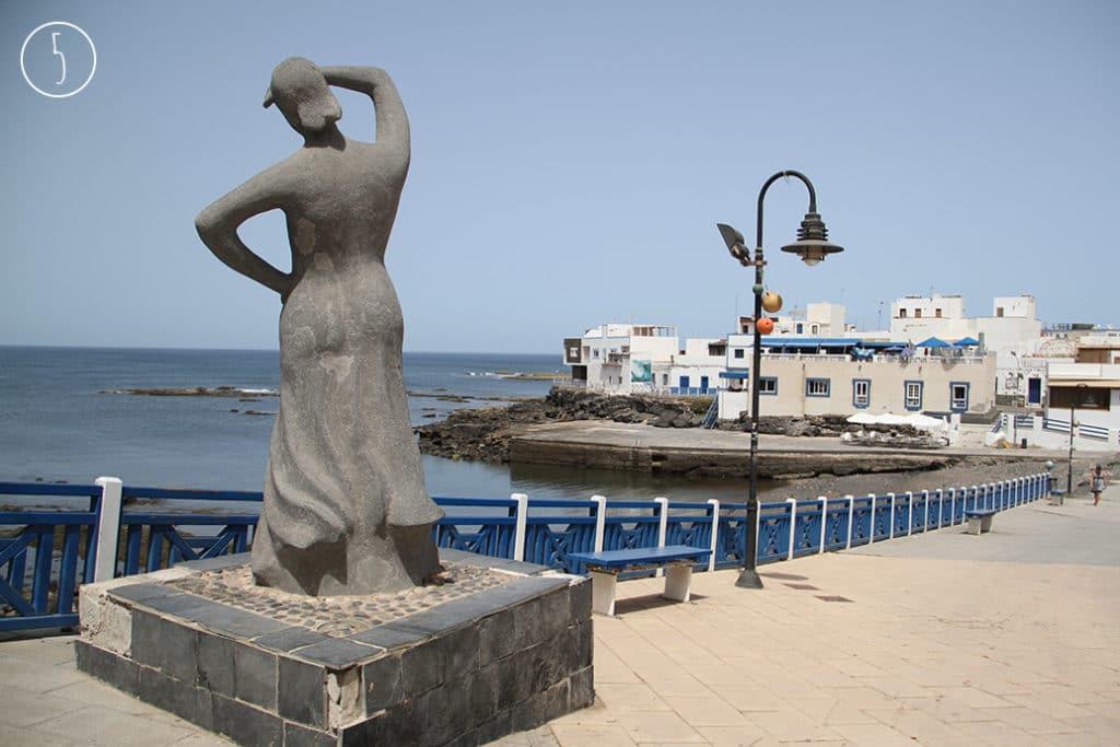 jungfrau statue
